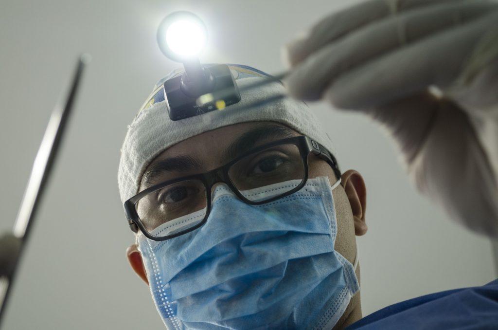 implant dentaire complet prix